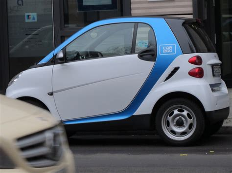 Car sharing revving up in Germany - CBS News