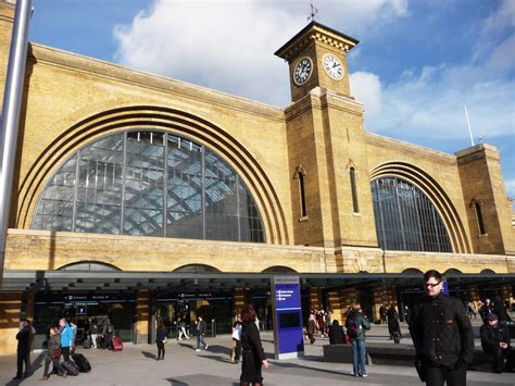 King`s Cross Station   What to see in London
