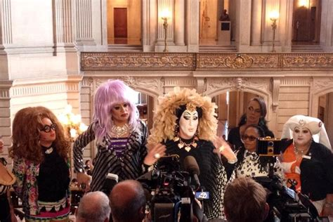 Facebook apologises to drag queens for 'real name' policy