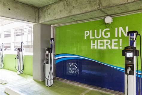 HOU EV Charging | Houston Airport System