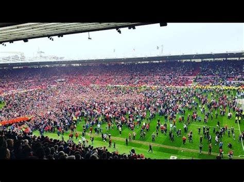 Pitch invasion - Middlesbrough FC promoted back to the